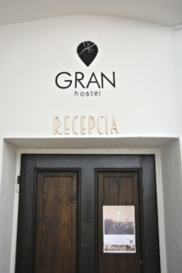 reception gran hostel